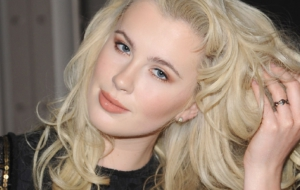 Ireland Baldwin 4K