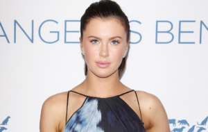 Ireland Baldwin High Quality Wallpapers