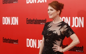 Julianne Moore HD Background