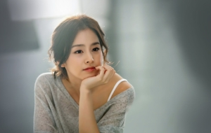 Kim Tae Hee Background