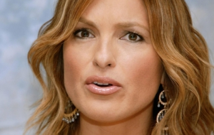 Mariska Hargitay For Desktop Background