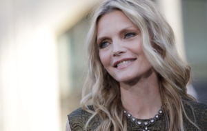 Michelle Pfeiffer For Desktop Background