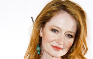 Miranda Otto HD Background