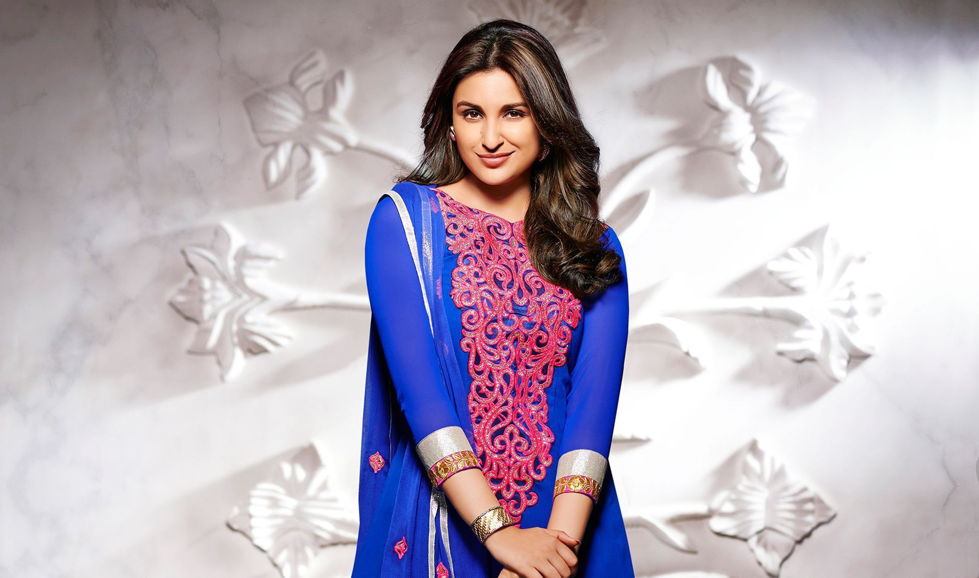 Parineeti chopra wallpapers backgrounds - Parineeti chopra wallpapers for iphone ...