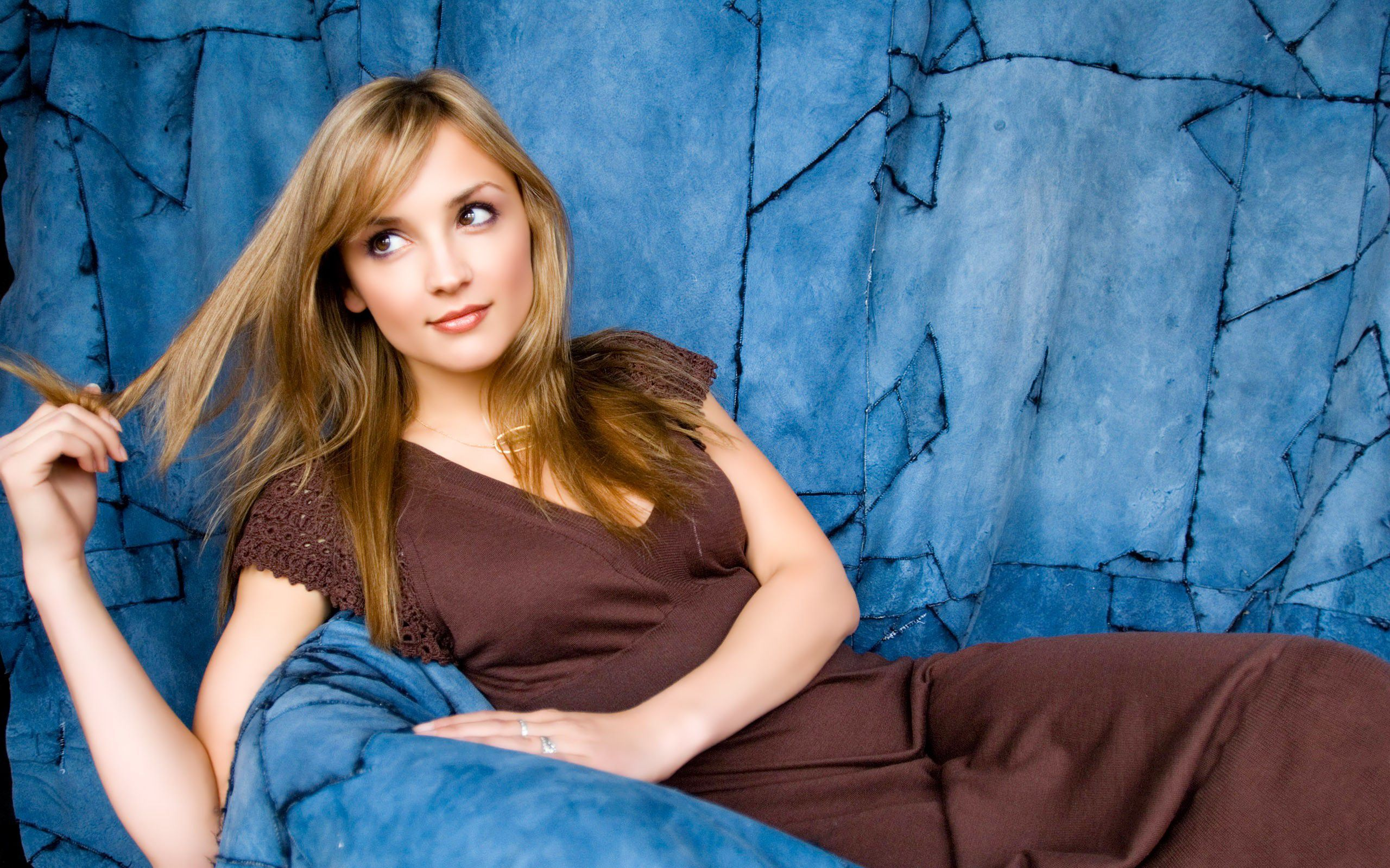 Rachael Leigh Cook Wallpapers Backgrounds