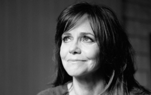 Sally Field Wallpaper