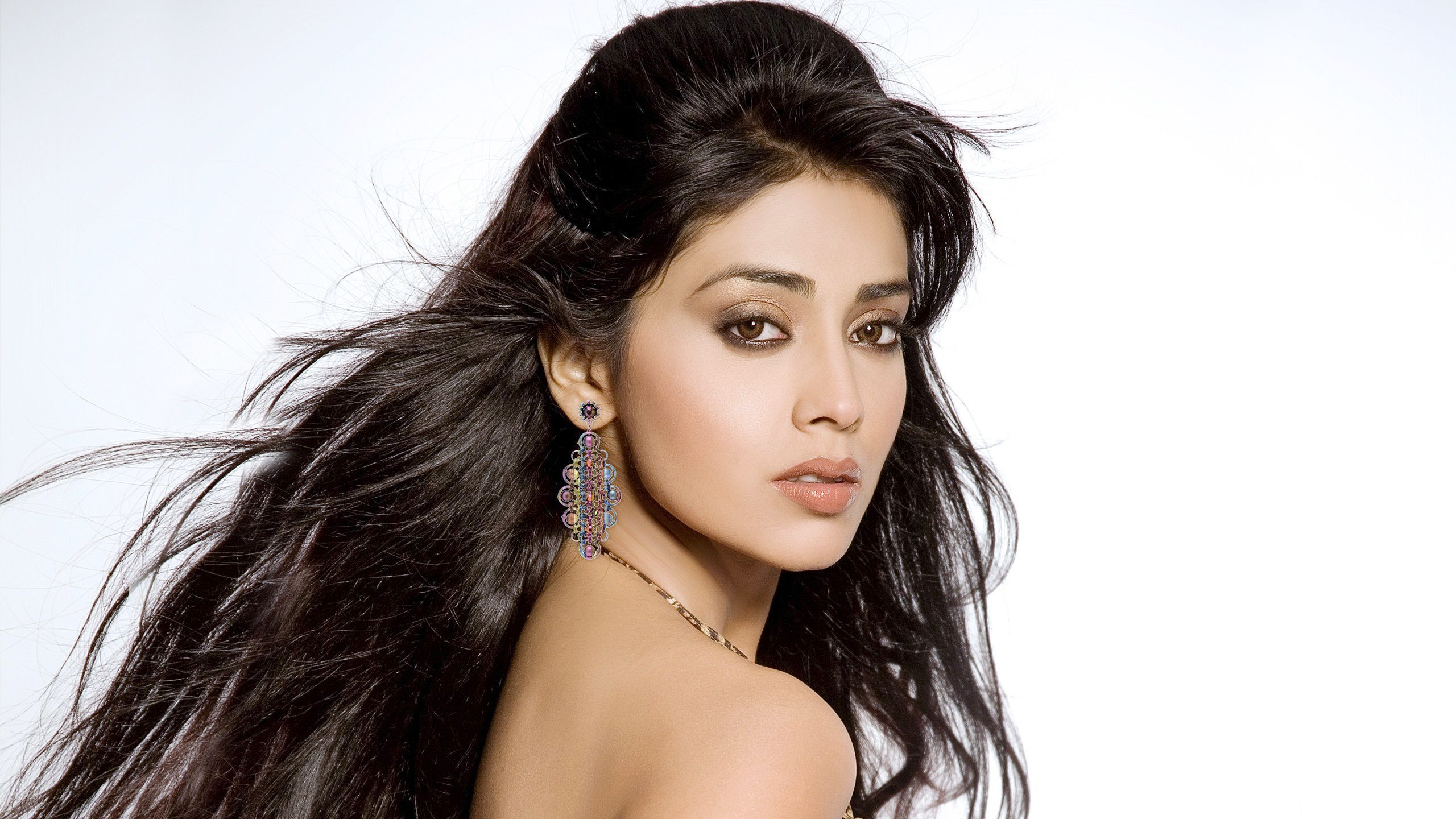 Shriya Saran Wallpapers Backgrounds