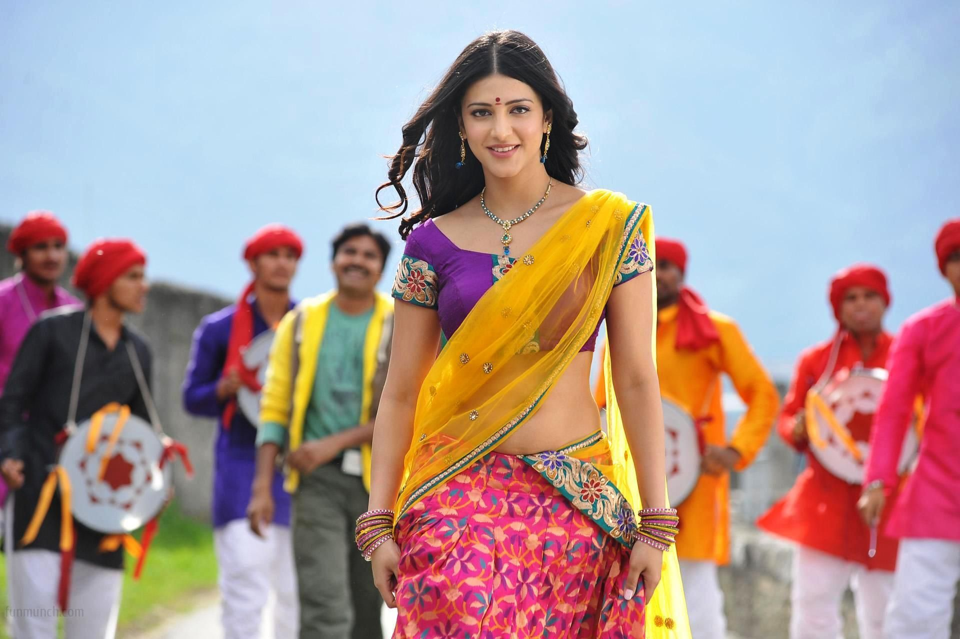 Shruti Haasan 2 Wallpapers: Shruti Haasan Wallpapers Backgrounds