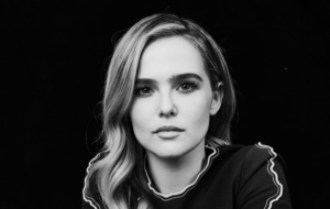 Zoey Deutch Free HD Wallpapers