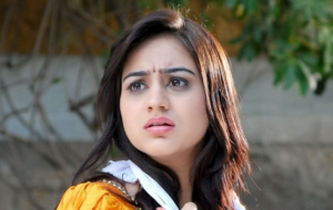 Aksha Pardasany Wallpapers