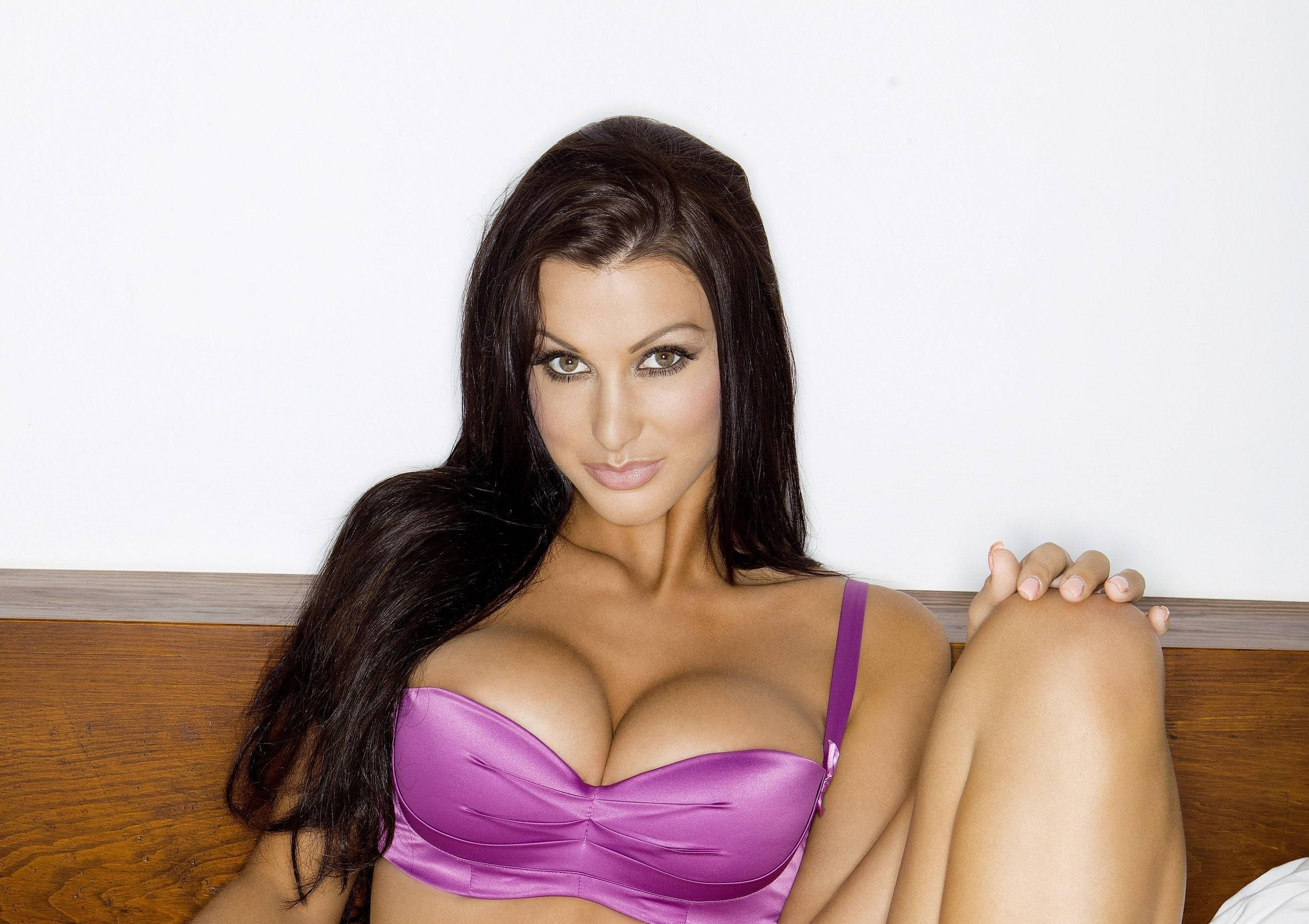 Alice Goodwin Wallpapers Backgrounds