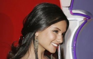 Alice Greczyn HD