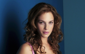 Amanda Righetti HD Wallpaper