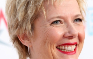 Annette Bening HD Wallpaper