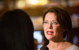 Annette Bening High Definition Wallpapers