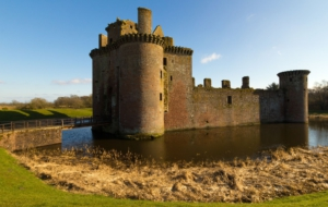 Caerlaverock Castle For Desktop