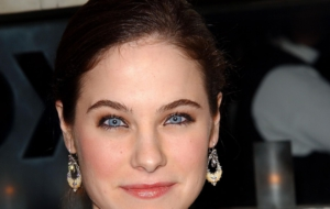 Caroline Dhavernas HD Background