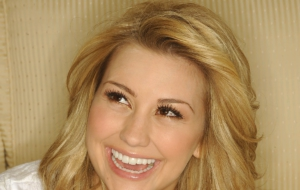 Chelsea Kane Pictures