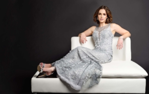 Elizabeth Henstridge HD Desktop