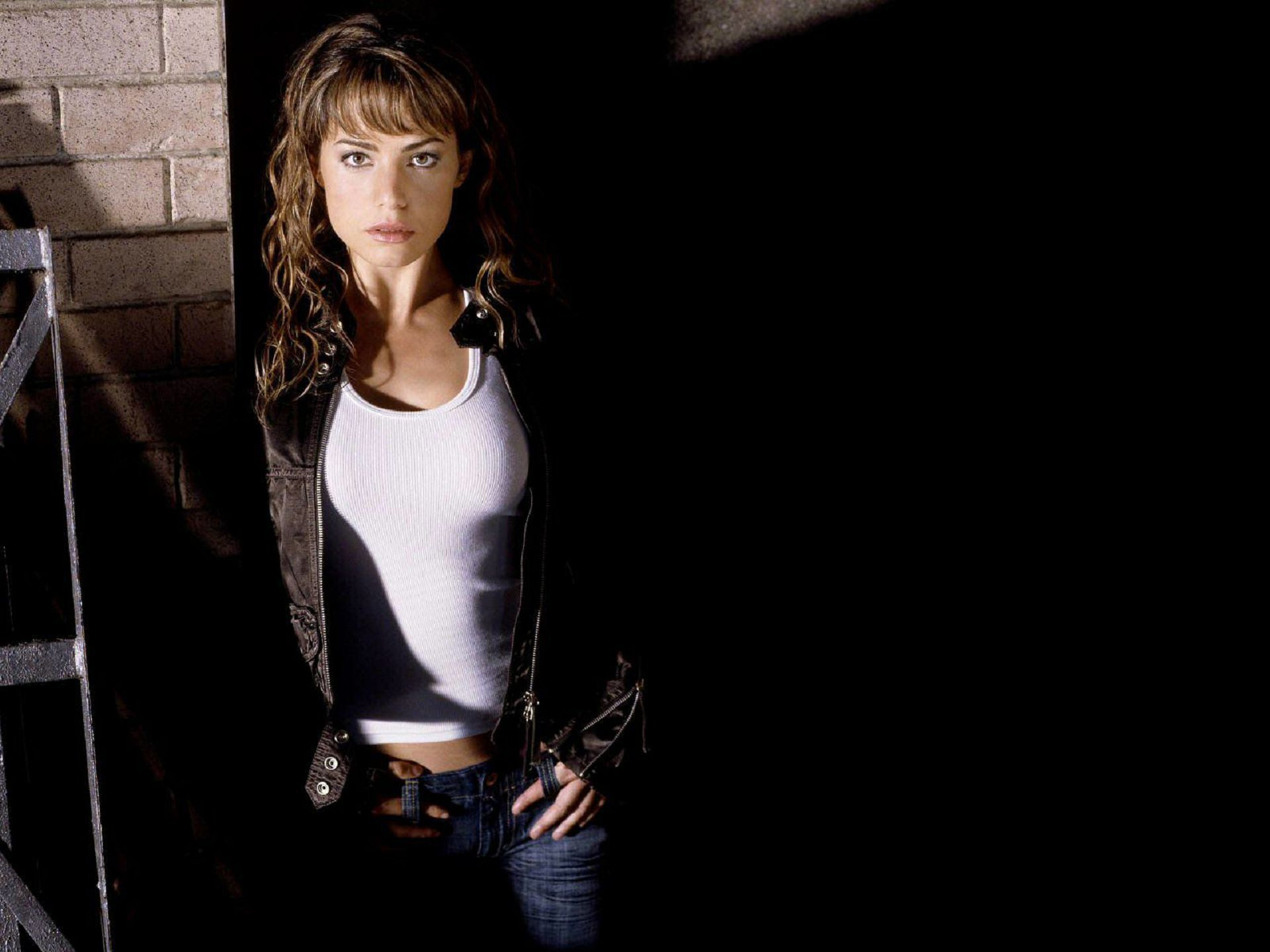 erica durance computer wallpaper - photo #3