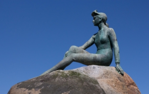 Girl In A Wetsuit Statue Wallpapers