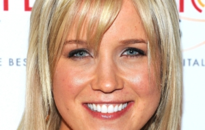 Jessy Schram High Quality Wallpapers