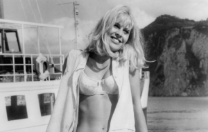 Julie Christie Widescreen