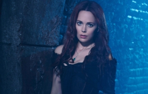Katia Winter Background