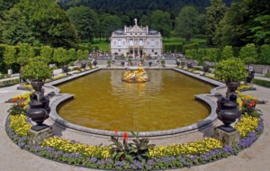 Linderhof Palace HD Desktop