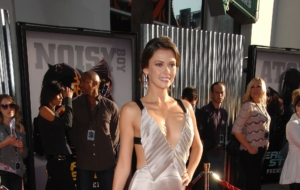 Olga Fonda Background