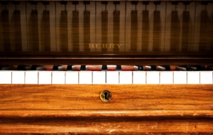 Piano Desktop Images