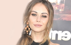 Pictures Of Alexis Dziena