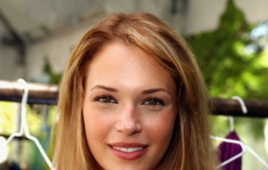 Pictures Of Amanda Righetti