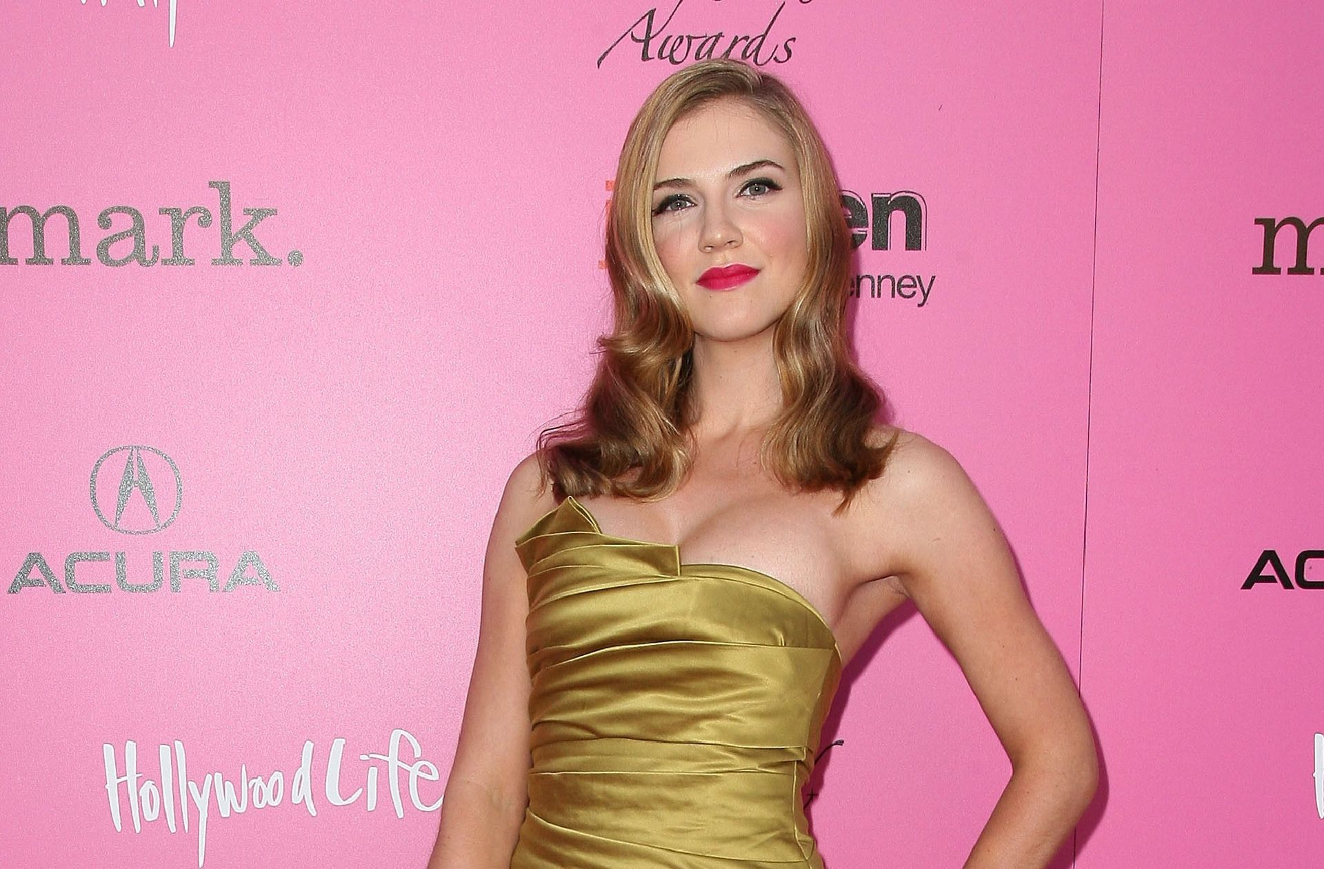 Sara Canning Wallpapers Backgrounds