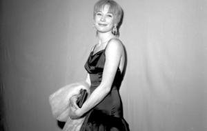 Shirley MacLaine High Definition Wallpapers