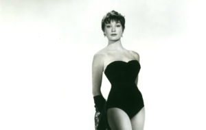 Shirley MacLaine Sexy Wallpapers