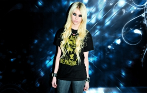 Taylor Momsen Wallpaper For Windows