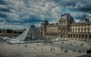 The Louvre Widescreen