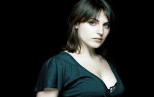 Antje Traue Pictures