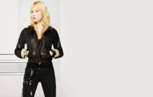 Beth Riesgraf Pictures