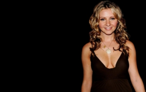 Beverley Mitchell HD Wallpaper