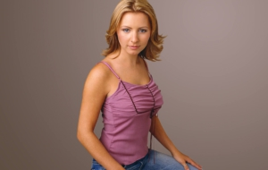 Beverley Mitchell Widescreen
