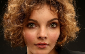 Camren Bicondova HD Wallpaper