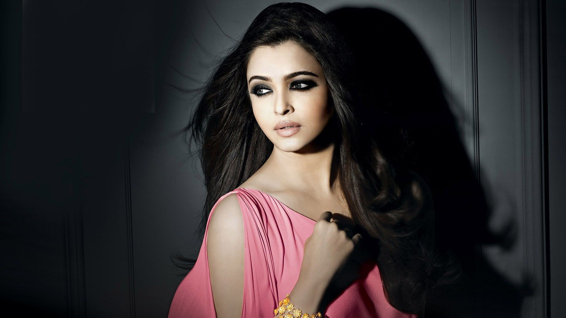 Aishwarya Rai Bachchan Beautiful