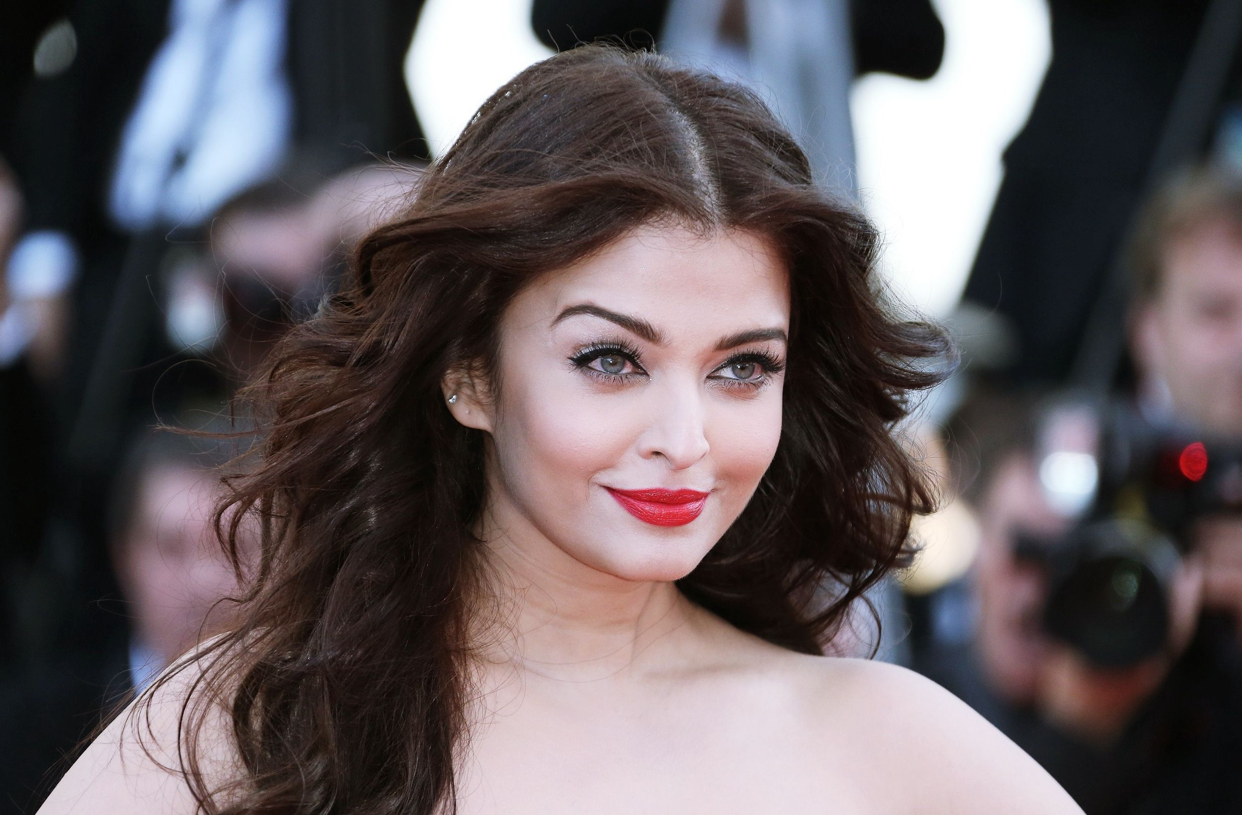 Aishwarya Rai Bachchan Wallpapers HD