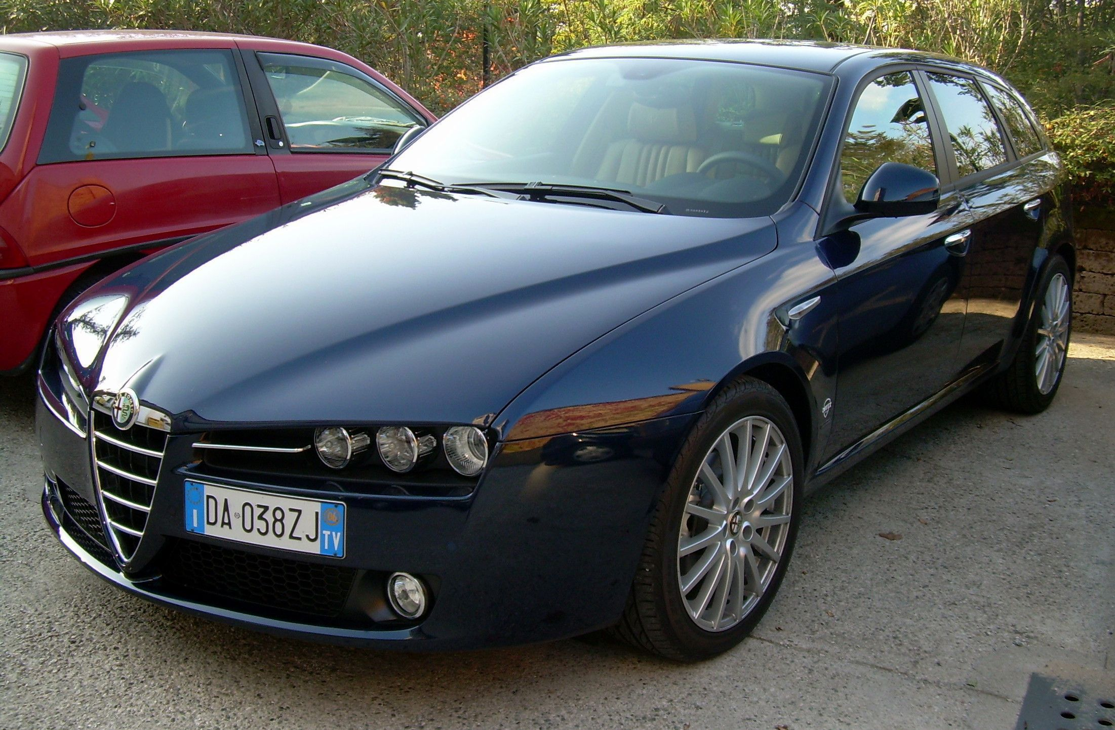 Alfa Romeo 159 HD Background
