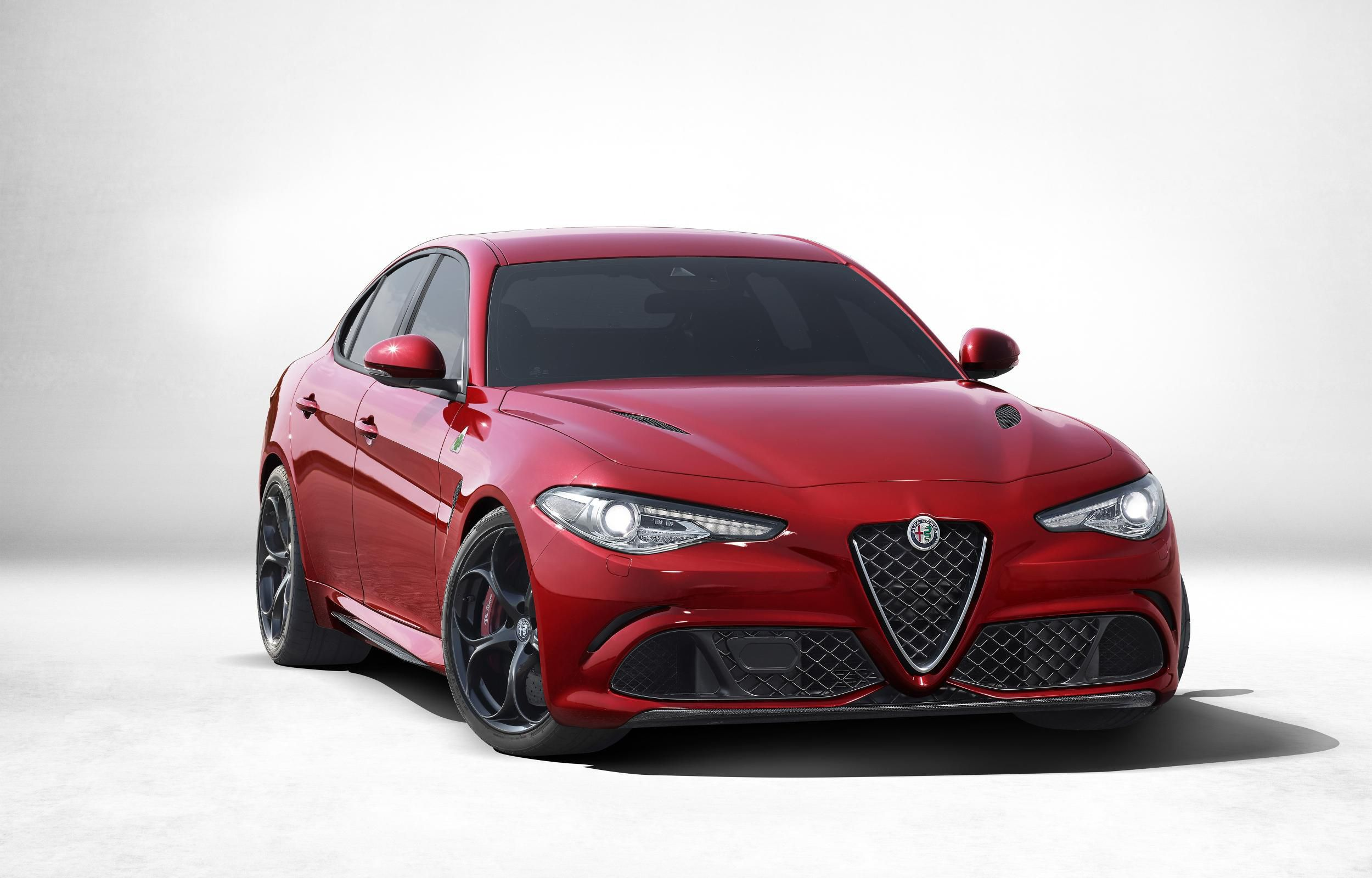 Alfa Romeo Giulia Wallpapers