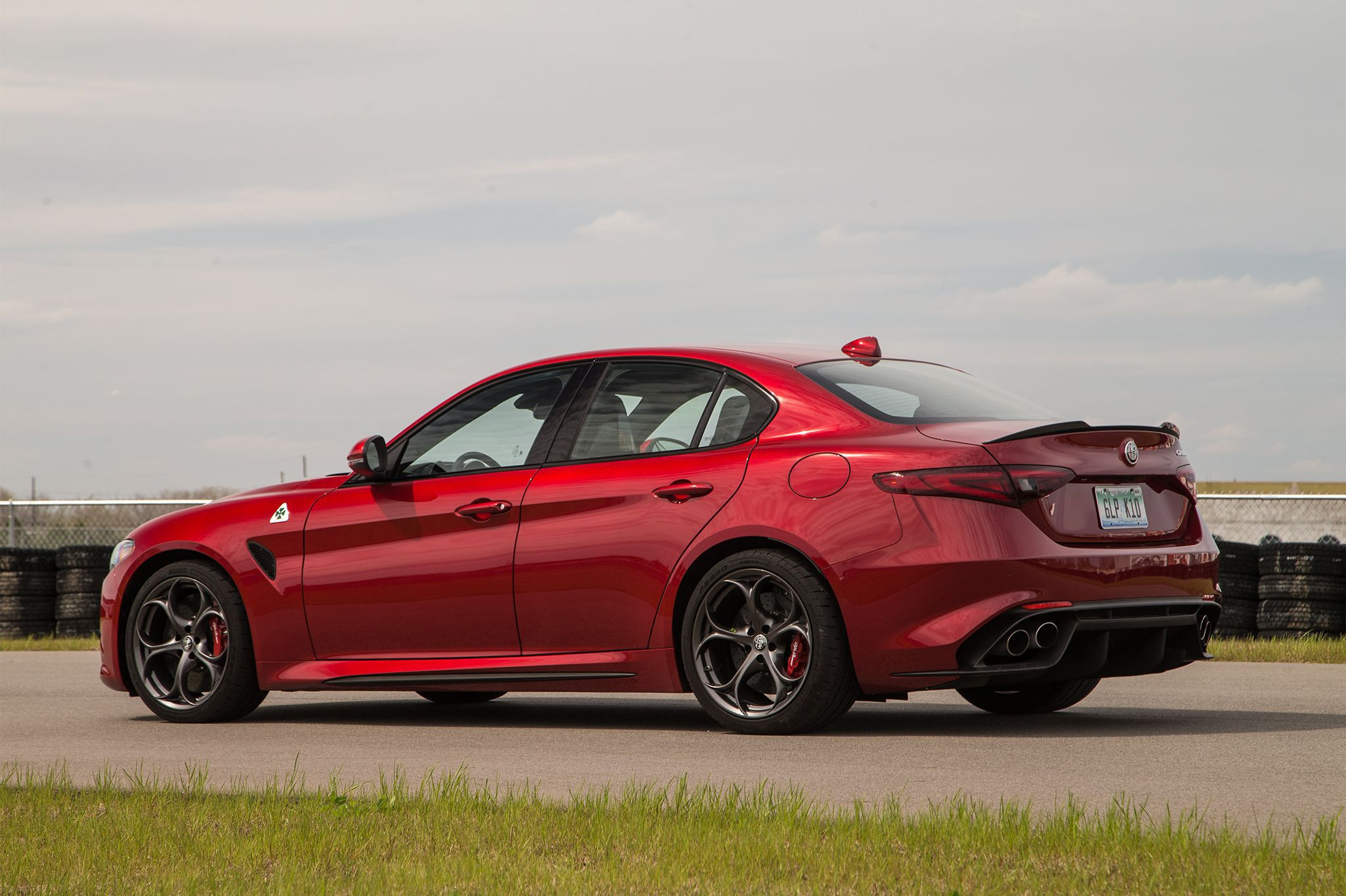 Alfa Romeo Giulia Wallpaper Pack