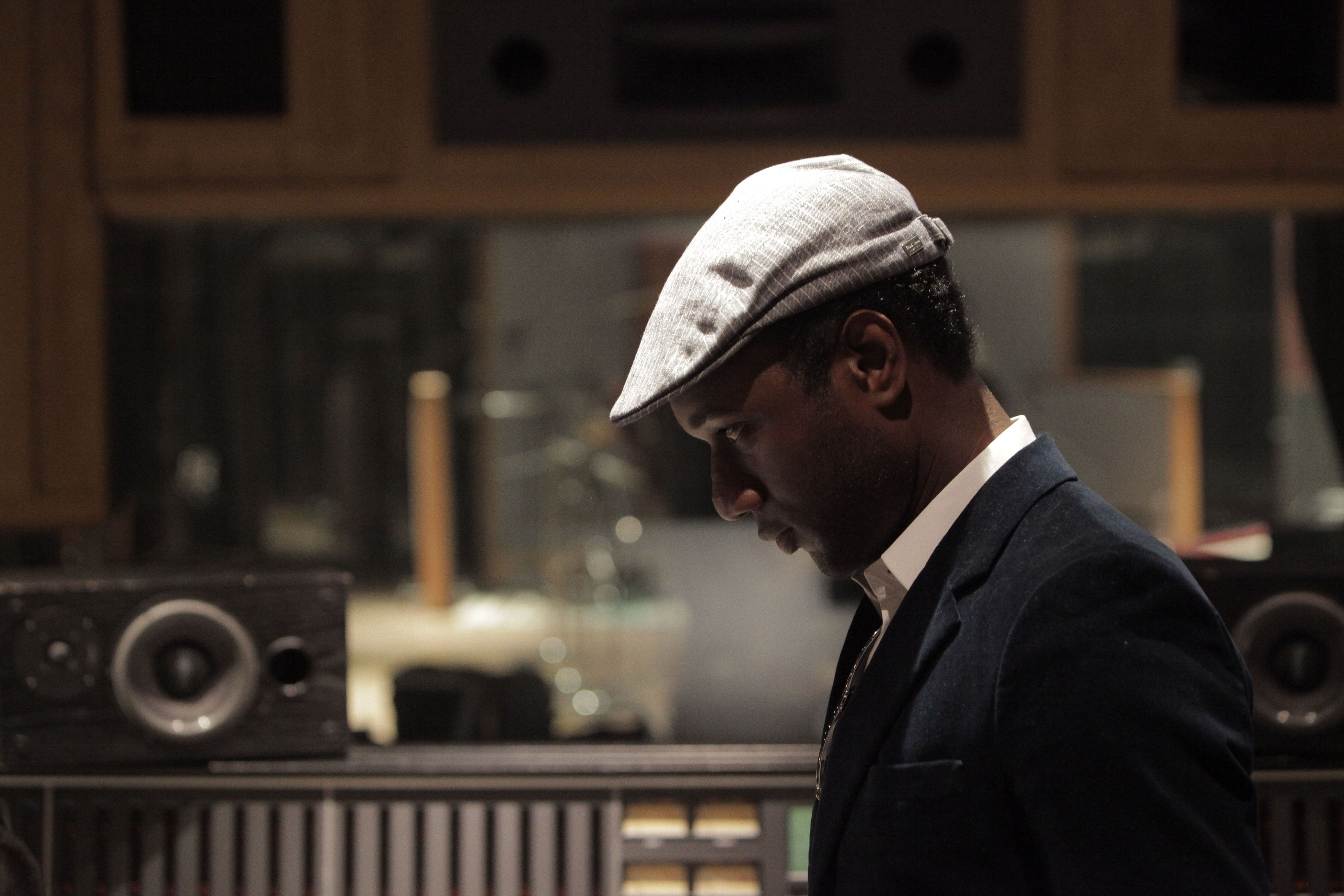 Lincoln Collaborates With Aloe Blacc