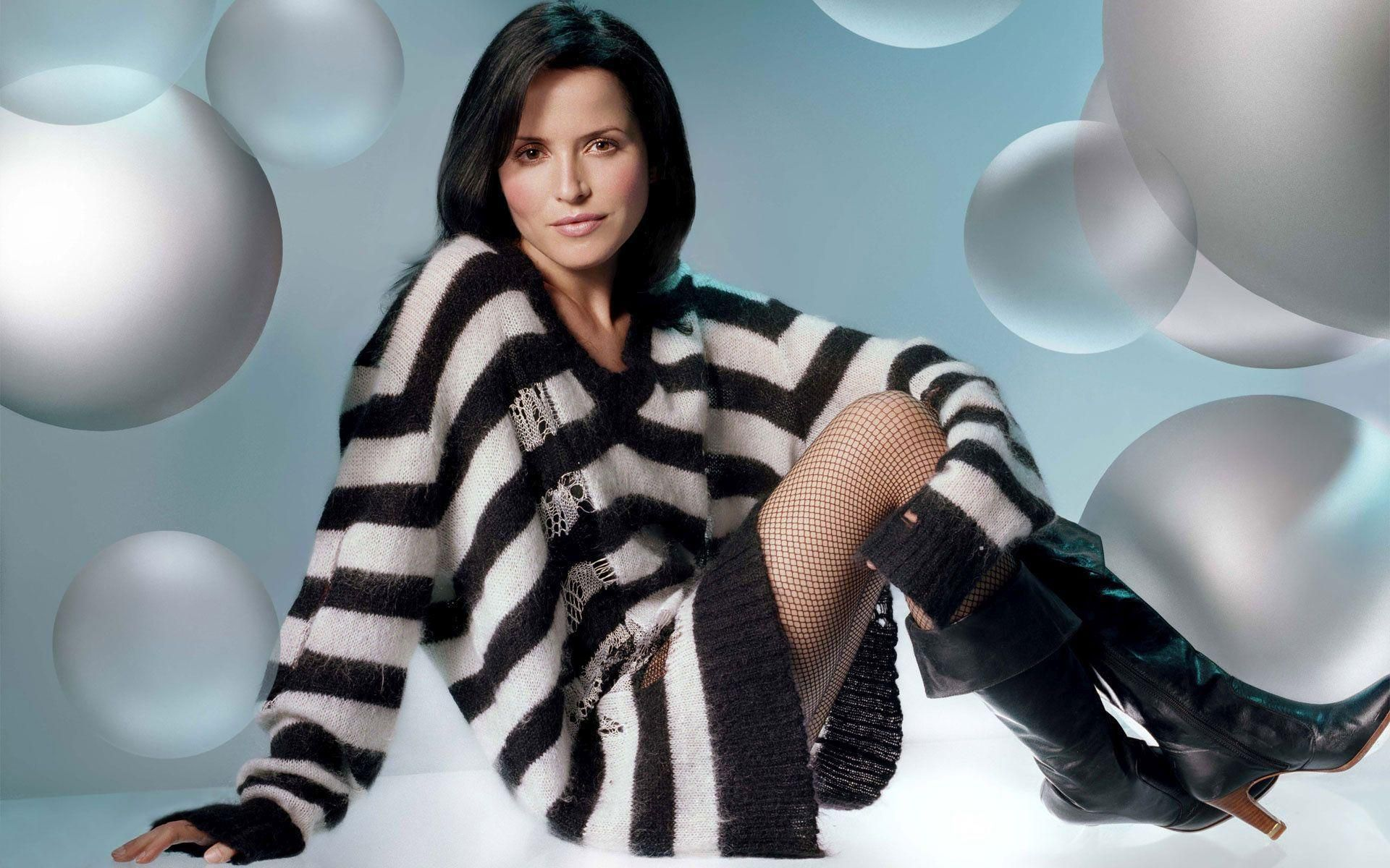 Andrea Corr Background